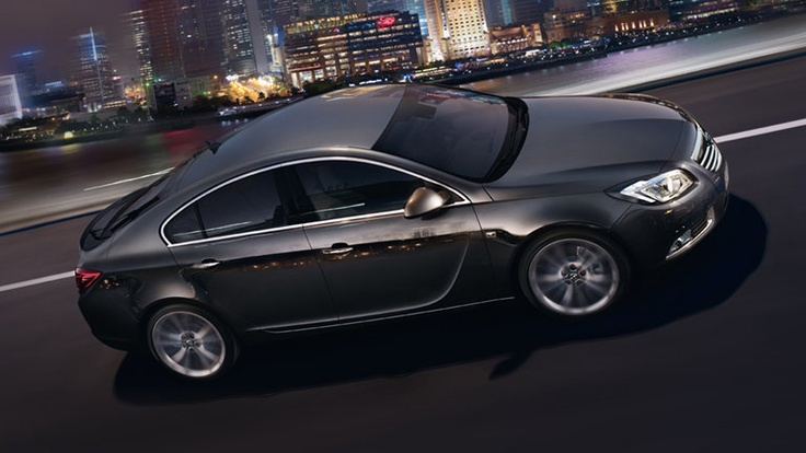 El Opel Insignia combina extraordinario diseño con la más avanzada tecnología, para ofrecer auténtico control y prestaciones.