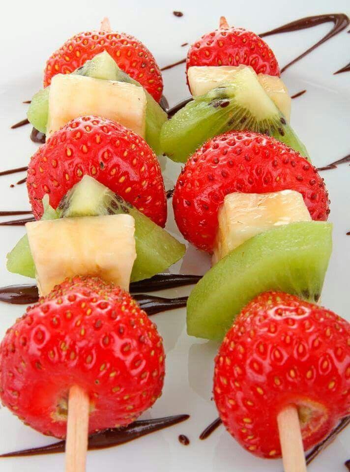 Frutilla.kiwi y banana