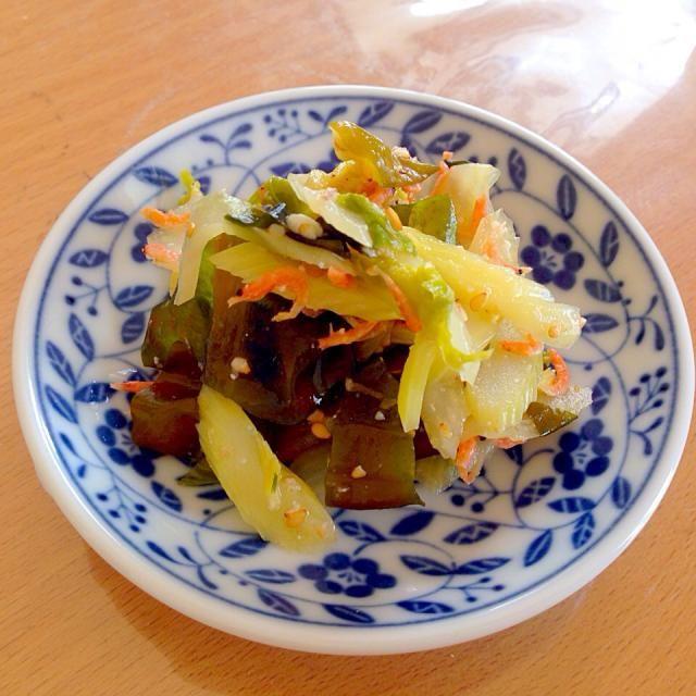 セロリの歯ごたえがシャキシャキで美味しい‼️ - 32件のもぐもぐ - セロリとわかめの酢味噌和え by kawachi1225