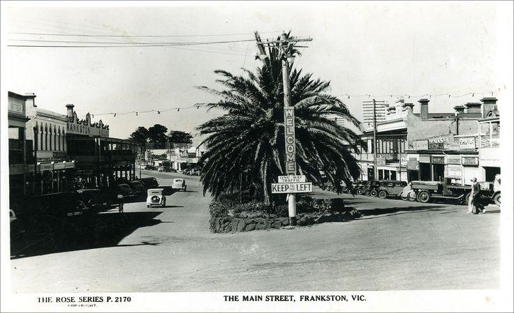 Vintage postcard view of Main St. (Nepean Hwy) Frankston.