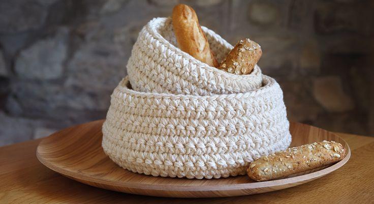 Ne cherchez plus en magasin le fameux panier à pain à la bonne dimension et chic pour votre table : faites-le vous même ! Dans un coton souple et facile à entretenir, ces modèles ...