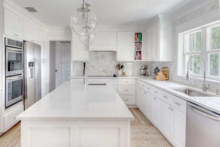 De 25 bedste id er inden for white grey kitchens p for Kitchen cabinets vero beach