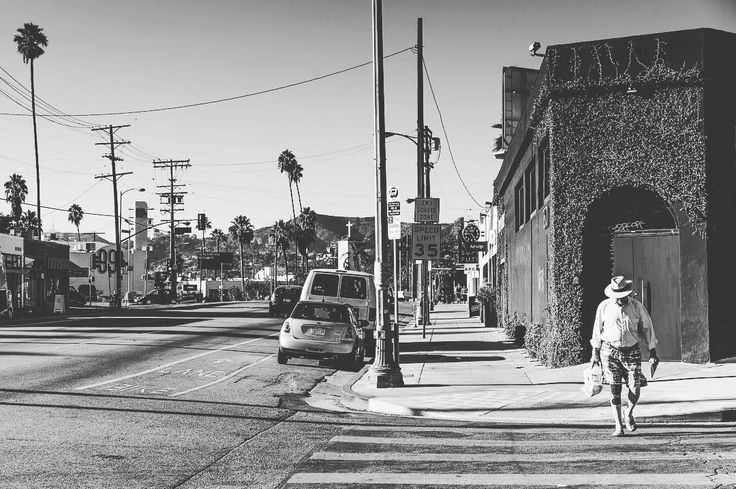 The man with the hat. #streetphotography #street #hat #bw #blackandwhite #silverlake #losangeles #california #usa #sony #sonyimages #sonyalpha #a7ii #alpha #zeiss #carlzeiss #nikcollection #popphysique