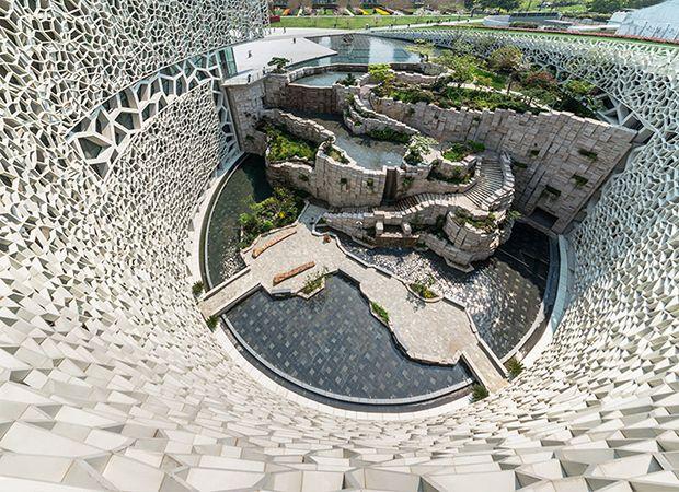 Una conchiglia ispira il Museo di Storia Naturale di Shanghai di Perkins+Will per esporre una collezione di oltre 240.000 pezzi..