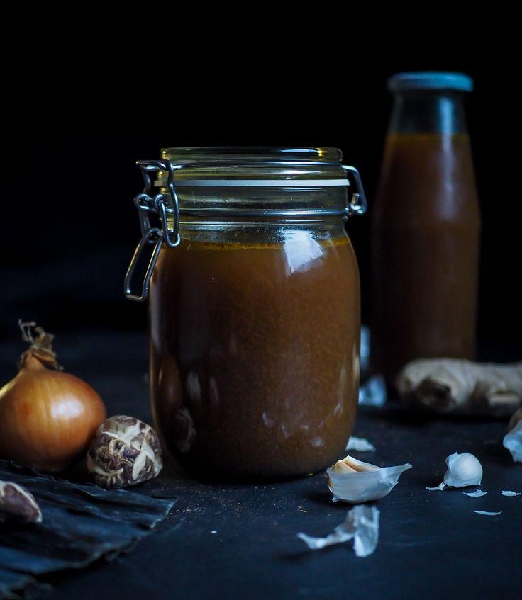 Umamirikas kasvisliemi syntyy, kun liemikattilaan heitellään perus liemiainesten (porkkana, sipuli, selleri) lisäksi japanilaisen keittiön makuja.
