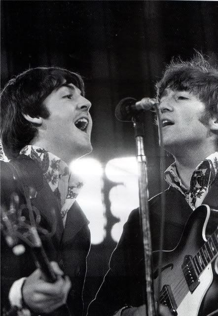 Paul and John singing (John looks especially good here, just saying).