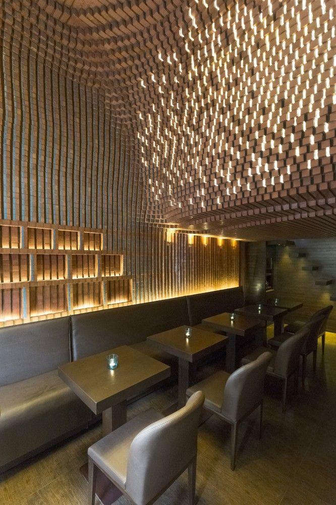 Espriss Café / Hooba Design Group - arranjo de bancos para o café-restaurante