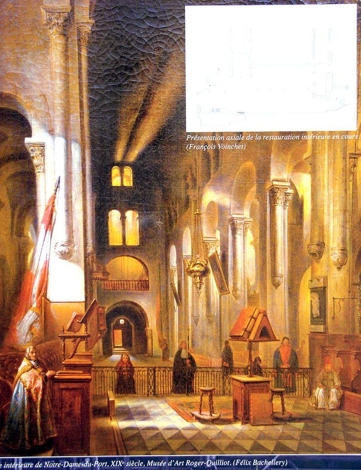"""Notre-Dame du Port —141) IMAGES REVUES: Cinq autres chapiteaux de cette partie de la nef présentent une couronne d'acanthes sans caulicole mais surmontée d'un élément emprunté à d'autres types (nous les examinerons avec et élément qui spécifie cette formule mixte). Un autre chapiteau dans la porte occidentale de la nef est aussi de type 2. Il s'agit du chapiteau . Comme il est considéré comme """"moderne"""" par Laurence Cabrero-Ravel, nous en traiterons plus loin avec les autres qui posent…"""