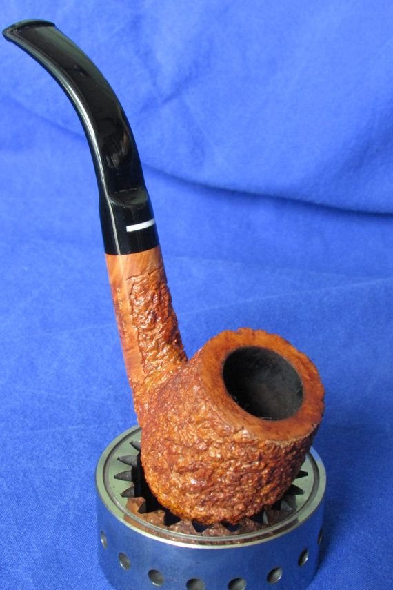 • Don Carlos 2 Note Estate Pipe • Full Bent Light stain Rusticated pipe • Bowl is in very good condition