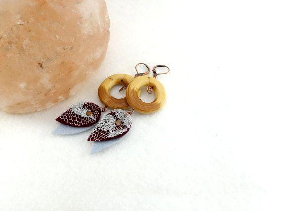 Boucles d'oreille en bois anneaux large en bois par LesBoisettes