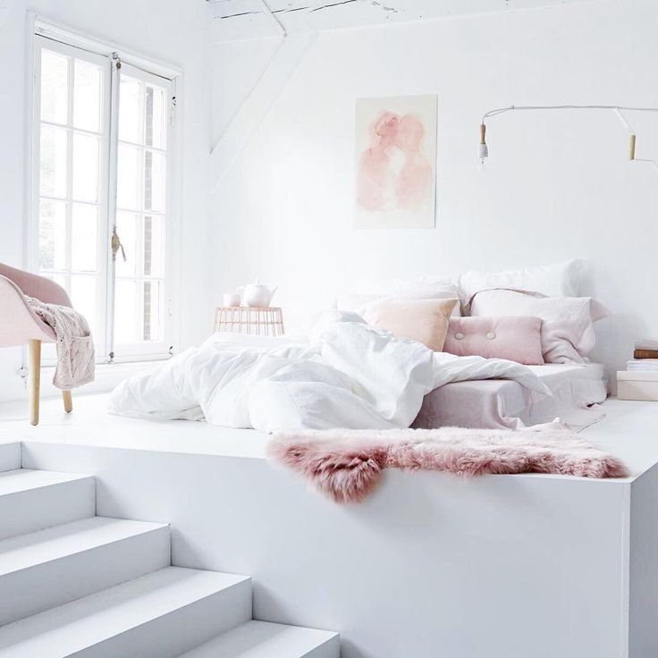 Raised bedroom, pastels, pinterest/suviiit