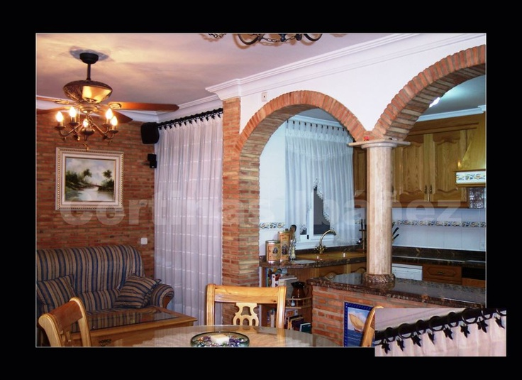 Cortinas para ambiente rustico en cocina comedor en el for Cortinas de comedor