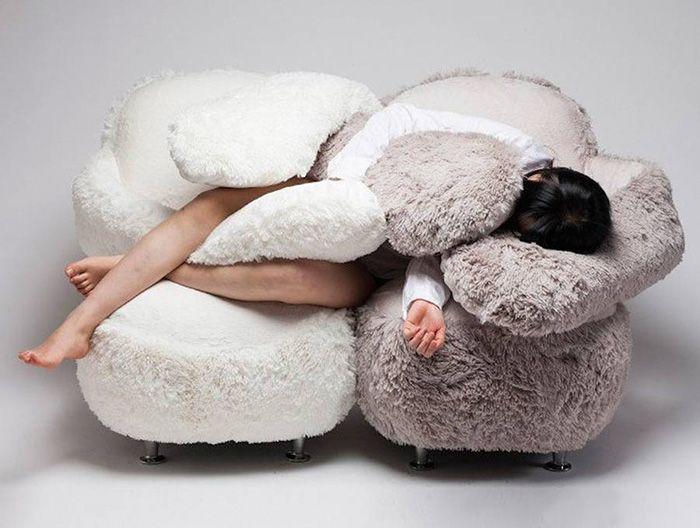 divano che ti abbraccia