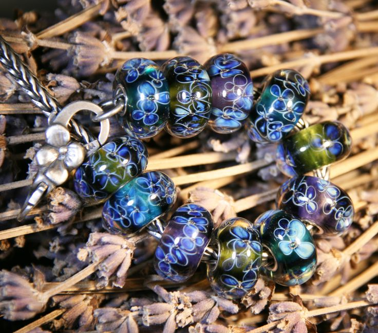 Artisan Lampwork beads for Trollbeads Anne Meiborg - Flowers bead set www.annemeiborg.etsy.com