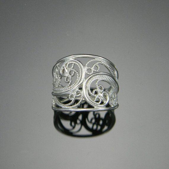 Used Old Aquamarine White Gold Ring Vintage