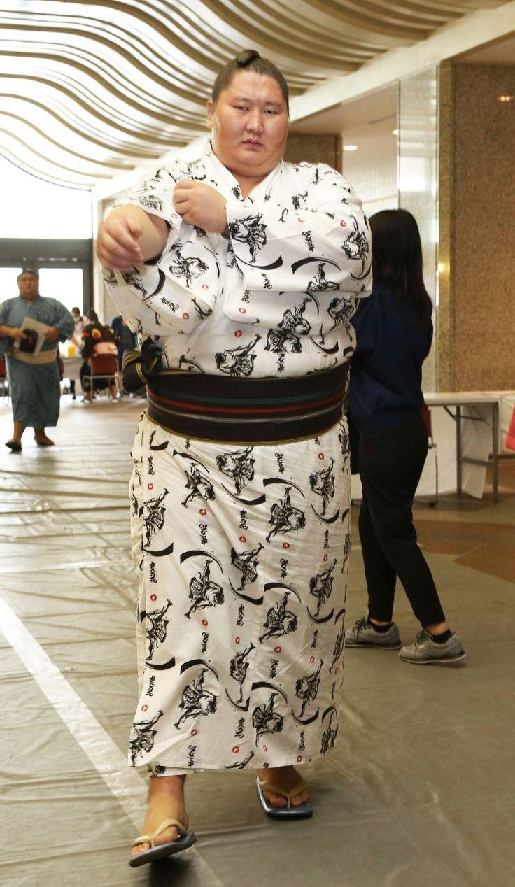 逸ノ城、腰痛で初の休場 四股踏んでいる時にピリッ #相撲