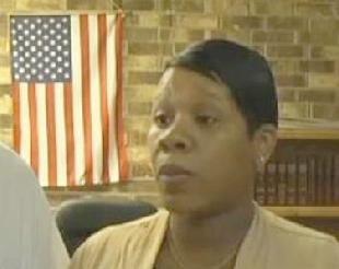 Usa, eletto primo sindaco nero: i poliziotti lasciano in massa