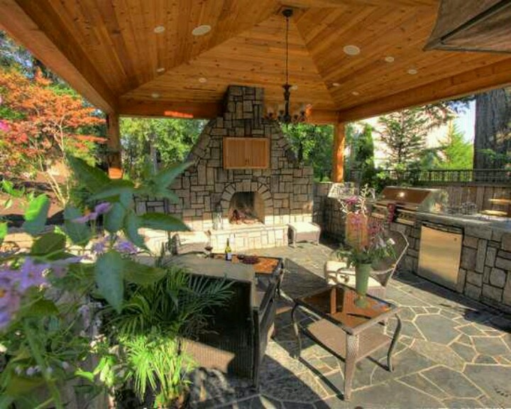 Stunning Covered Outdoor Entertaining Areas 13 Photos