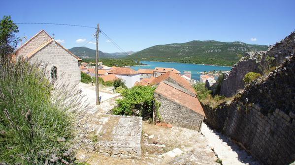 """BlueApart na Twitterze: """"Kto chętny na leżakowanie w takiej scenerii? Nasze dwie cudowne Wille w bajkowej Chorwacji: http://t.co/5gvXSuSh9Y http://t.co/CJYdmIF06I"""""""