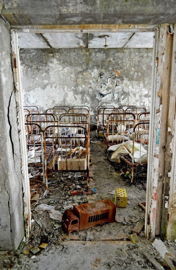 Заброшенный детский сад в Чернобыльской зоне