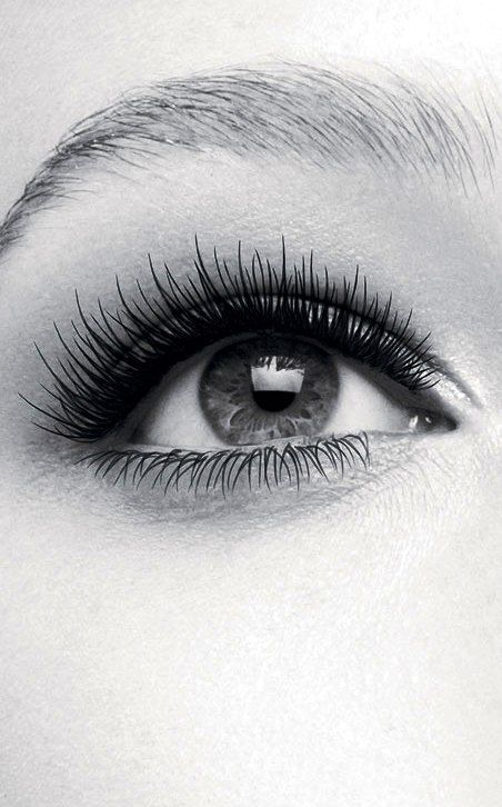 Learn how to get luscious lashes like this here - http://dropdeadgorgeousdaily.com/2014/02/best-mascaras/