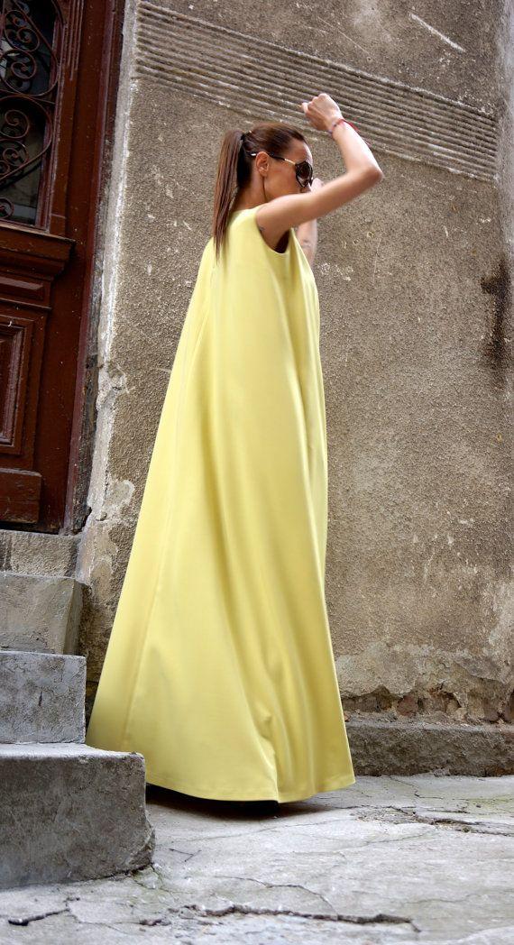 Robes Collection Maxi Dress / caftan jaune moutarde / Extravagant robe longue / Party Dress / poches sur les cotés de la robe de vêtements par AAKASHA A03370
