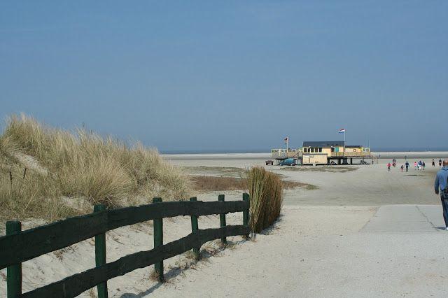 Northsea-beach/Waddenzee: island of Schiermonnikoog - province of Groningen Eindeloze stranden met plaats voor iedereen