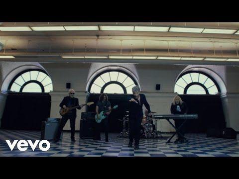 """L'automne nous livrera le nouvel opus de Bon Jovi, This House Is Not For Sale, attendu pour le 04 novembre 2016. l'album est toujours en précommande. Le groupe mise sur le single, Knockout, pour porter l'album. Un bon choix selon vous? Pre-order """"This..."""