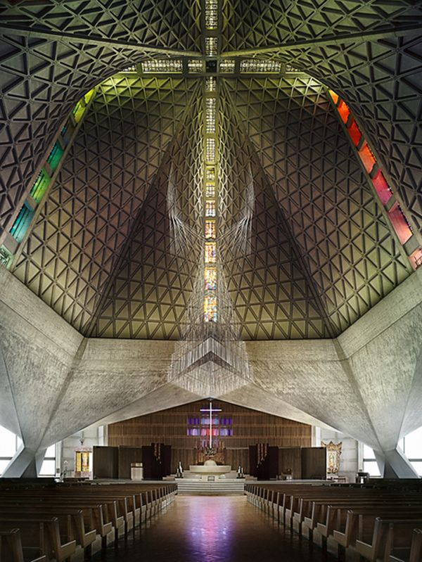 St Mary's Cathedral, San Francisco by Pierre Luigi Nervi: Amazing concrete roof structure...
