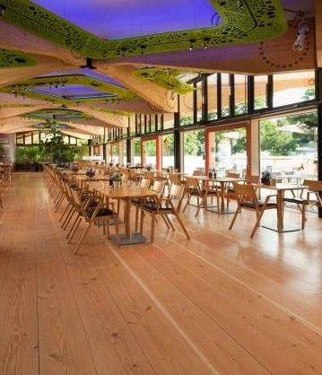 The John Hope Gateway is Royal Botanic Garden Edinburgh's biodiversity and information centre. It's a shining example of green construction and sustainability, and the restaurant features a Douglas Fir floor which has just been finished with Bona Traffic HD.