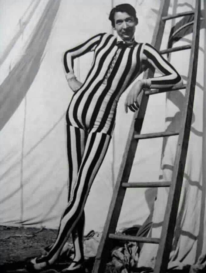 circus act Circus Freak, Tall Man, Circus Performing, Vintage Circus ...