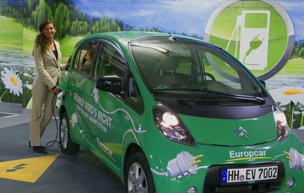 Neues Hotelservice: Auf Geschäftsreise in Berlin mit dem Elektro-Auto. http://www.travelbusiness.at/news/auf-geschaeftsreise-in-berlin-mit-dem-elektro-auto/0010664/#more-10664