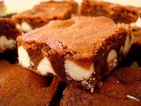 Gingerbread White Chocolate Blondies: Gingerbread Brownies, Chocolates Gingerbread, Chocolates Blonde, Mel Kitchens, White Chocolates Chips, Gingerbread White, White Chocolates Brownies, Christmas Sweet, Kitchens Cafe