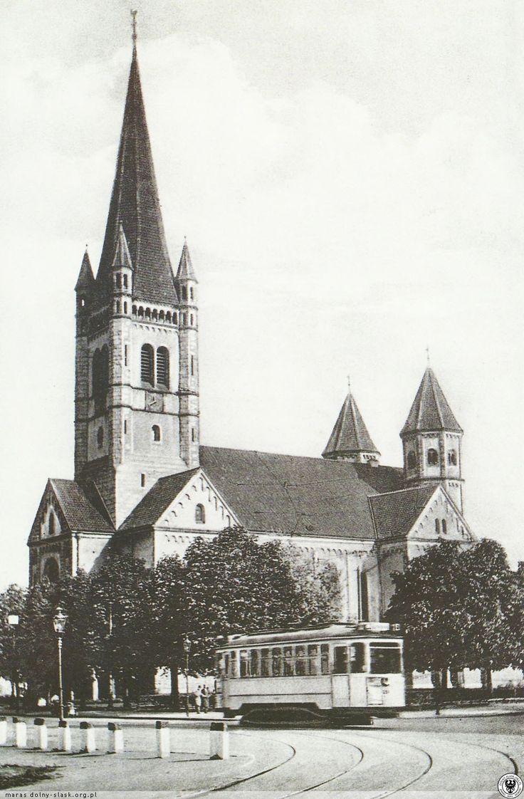 Kościół św. Karola Boromeusza, widok ze skrzyżowania ulic Kruczej i Gajowickiej. 1932 r. Wrocław Poland