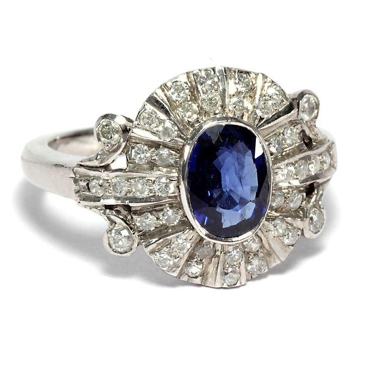 Samtiges Blau - Exceptioneller Platinring mit Saphir & Diamanten, Art Déco um 1930 von Hofer Antikschmuck aus Berlin // #hoferantikschmuck #antik #schmuck #antique #jewellery #jewelry