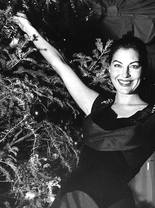 Christmas needsAva Gardner. I'll have what she's having please. Va va voom.