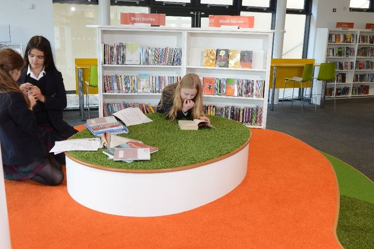 Students working on Reading Splash in secondary school library, King Edward's School, Bath - designed by Opening the Book