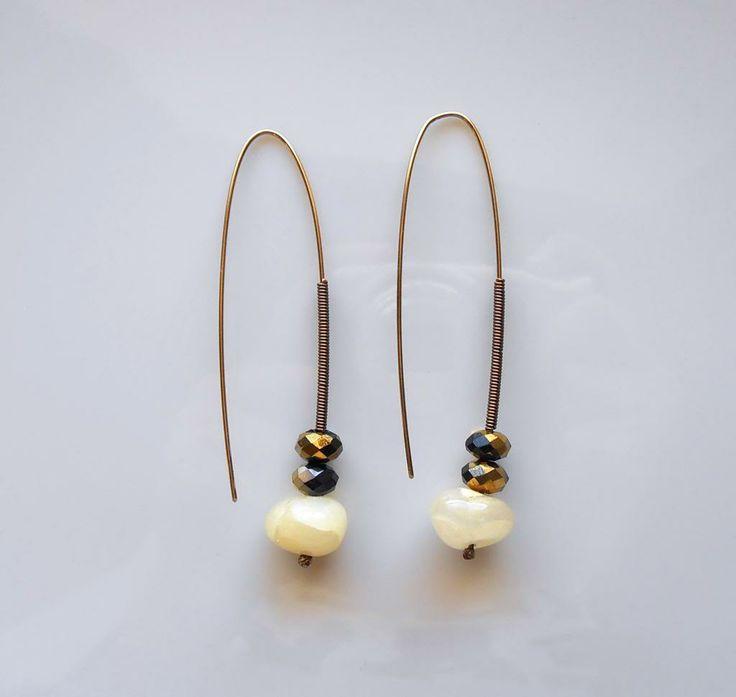 pin earrings   jeu.gr