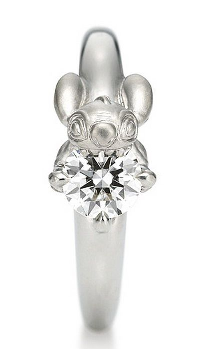 Diamond/ Stitch ring. Perfect engagement ring for the right Disneyphile.
