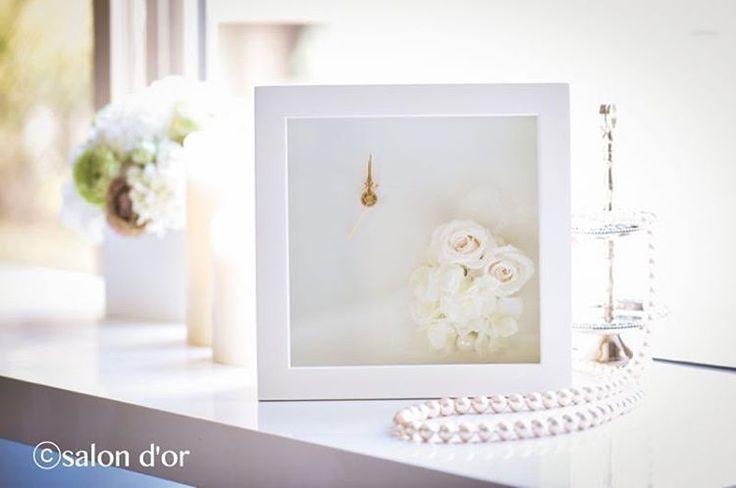 ☆商品情報☆ サロンドールではウェディング関連商品も取り扱っています。 こちらは結婚祝いにも両親へのプレゼントにも良いですね。 【プリザーブドフラワー ウッドクロックフレーム】anniversary 7,000円(税別) #salondor #サロンドール #結婚祝い #weddinggift http://gelinshop.com/ipost/1519928438571924084/?code=BUX3typF_p0
