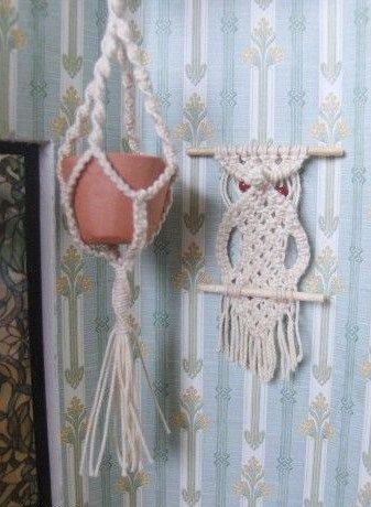 how to: mini macrame owl (with link to pattern)