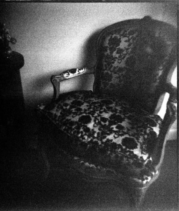 The Haunted Chair Of Death Unexplained Mysteries Haunted Objects Creepy Ghost