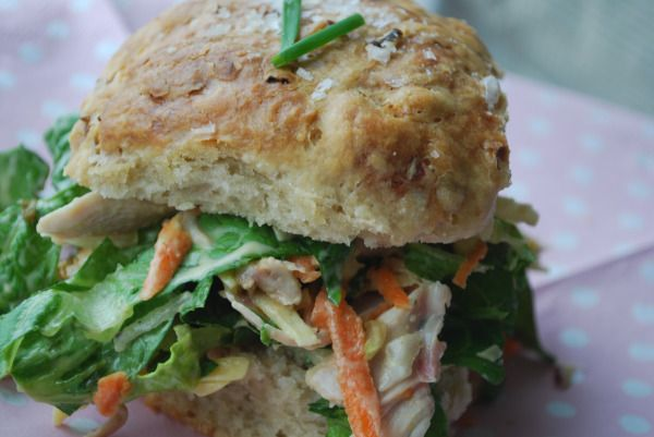 """Passion 4 baking """"Curry chicken salad with fresh bread"""