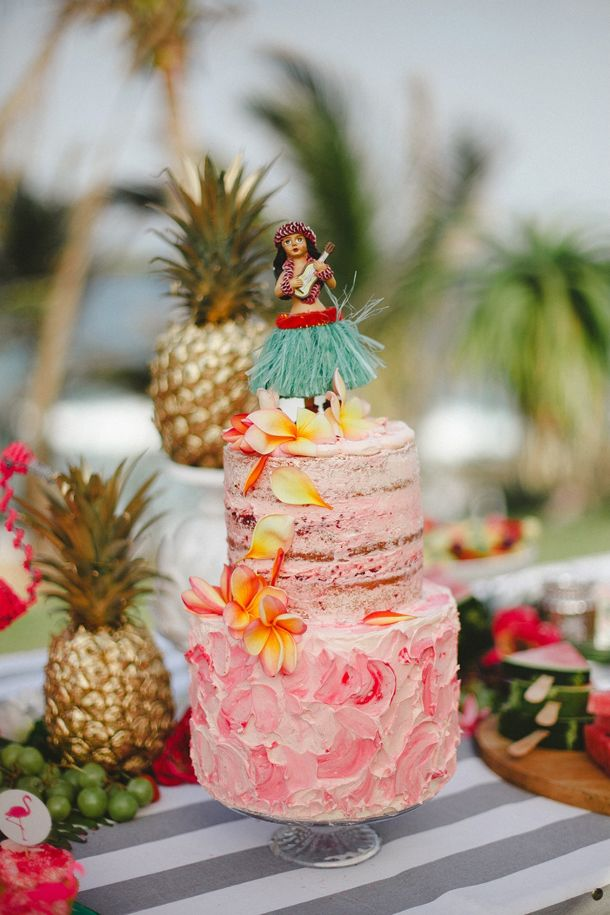Tropical Bridal Shower Cake | SouthBound Bride www.southboundbride.com/tropical-heat-bridal-shower-by-oh-happy-day-kelly-daniels-the-shank-tank Credit: Kelly Daniels/The Shank Tank/Oh Happy Day/Smith's Bakeshop