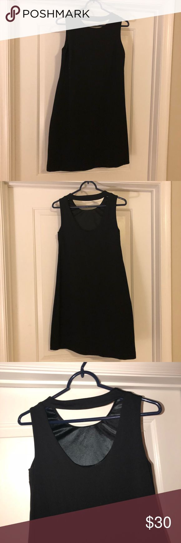 Black shift dress 👗 Black shift dress with a small open back! Cynthia Rowley Dresses