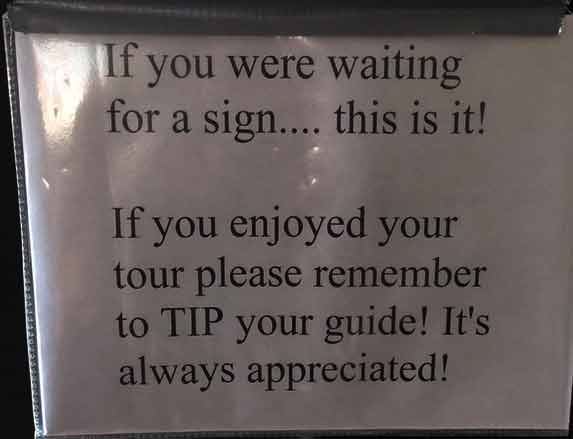 Tipping suggestion sign