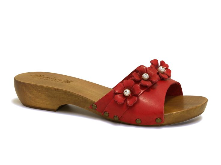 Red clog sandals in real wood handmade in Italy - Italian Boutique €48