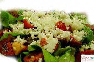 Keçi Peyniri Salatası Tarifi | Süper Anneden Kolay Yemek Tarifleri