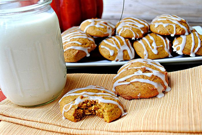 iced pumpkin cookies: Pumpkin Spices, Healthy Weights Loss, Low Calories Holidays Cookies, Pumpkin Cookies, Loss Recipes, Spices Cookies, Ice Pumpkin, Baking, Glaze Pumpkin