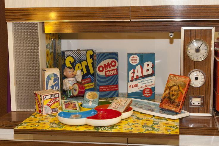 1960 -1970 Les savons SUNLIGHT, MAYA ainsi que la solution pour la lessive FAB, OMO, SERF, collection privée © Solo-Mâtine